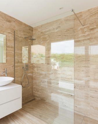Seitenwand Dusche alleinstehend mit Klemm Wandprofil Combia PAPY