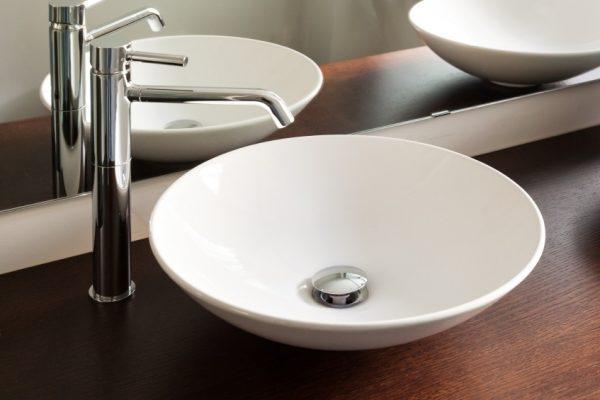 riss im waschbecken riss im waschbecken reparieren so. Black Bedroom Furniture Sets. Home Design Ideas