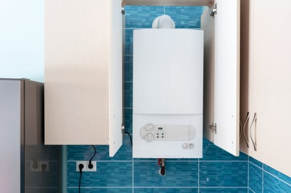 durchlauferhitzer oder warmwasserspeicher was ist besser. Black Bedroom Furniture Sets. Home Design Ideas
