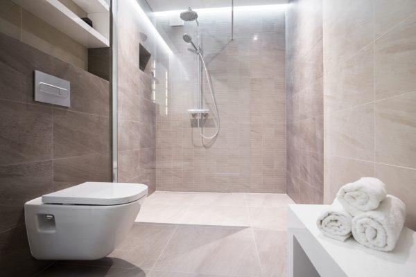 Kleines Bad Einrichten Mehr Platz Mit Dusche Zum Wegklappen Co