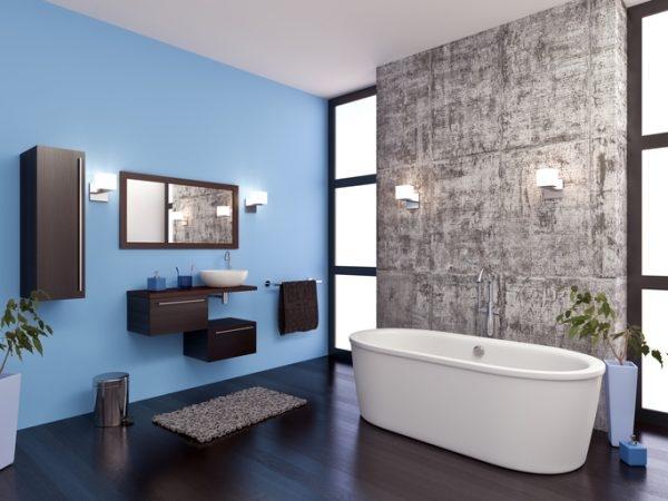 Bad mit blauem Spezialputz