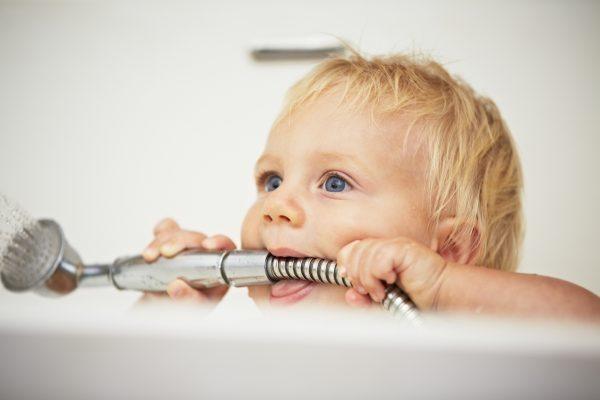 """Baby duschen: Tipps und Tricks von der Mamabloggerin """"Krümelina"""""""