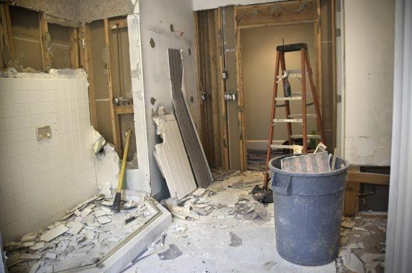 Demontage eines Badezimmers