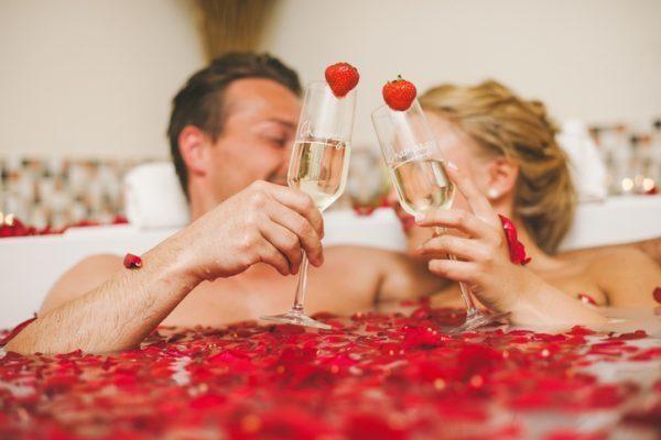 Zeit zu zweit: Die besten Tipps für Ihr romantisches Date im Badezimmer