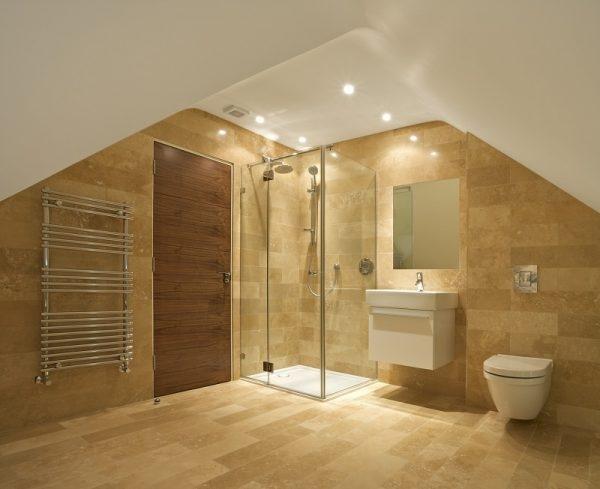 Naturstein Travertin im Badezimmer