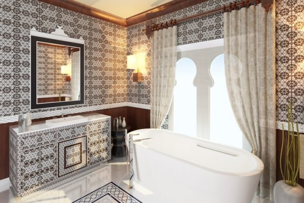 Ornamentfliesen im orientalischen Badezimmer