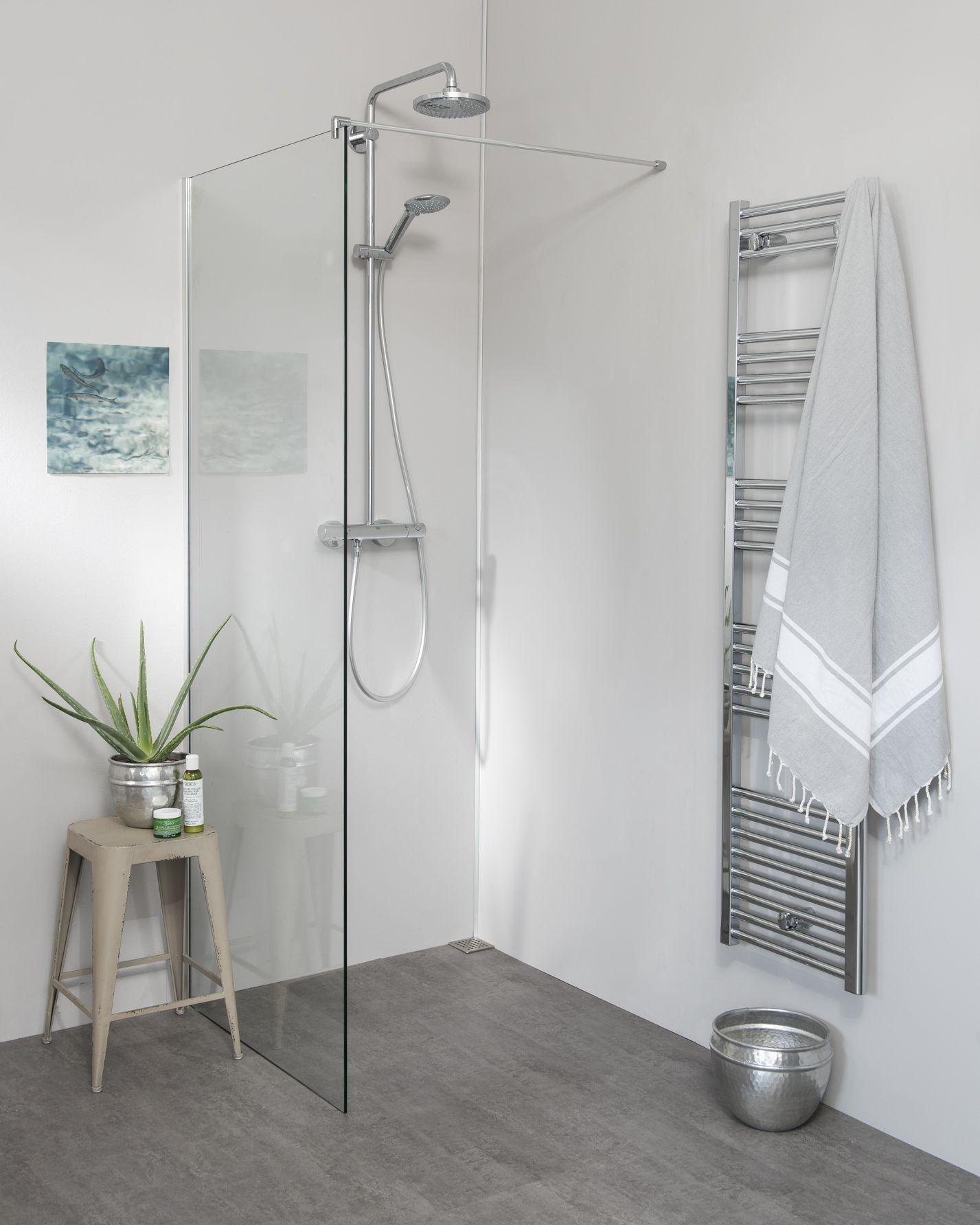 Begehbare Dusche Duschwand mit Klemm Wandanschlussprofil