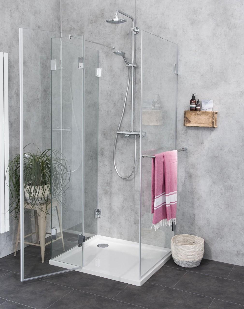Duschkabine U Form auf Duschwanne