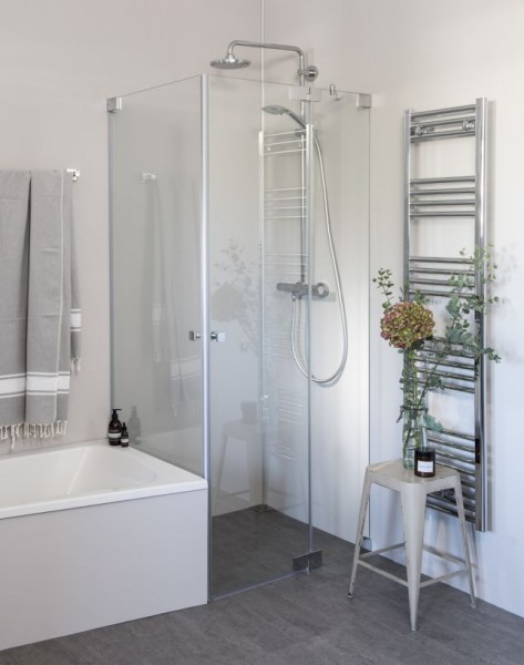 Eck Duschkabine neben Badewanne mit 2 Pendeltüren, groß