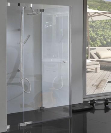 Dusche mit Seitenwand