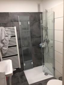 Dusche mit Falttüren F1W